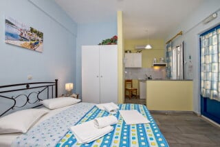 double studio for two irini tinos bed