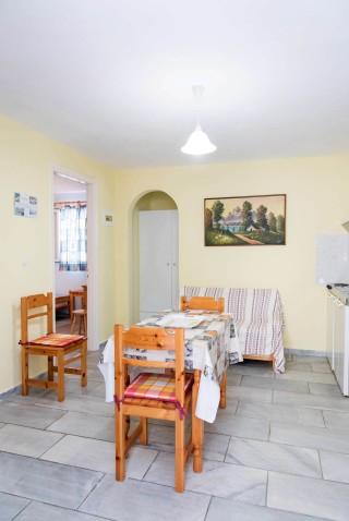 room-5-irini-06