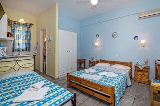 triple studio for 3 irini tinos bed