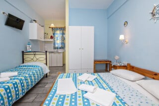 triple studio for 3 irini tinos room